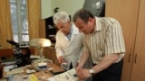 Профессор Борис Троценко и крымский журналист Николай Семена, архивное фото