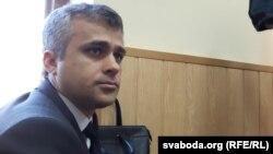 Муж Вольгі Сьцяпанавай Алег у залі суду