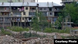 Видеокадры с массовой вырубкой деревьев, которые были опубликованы в соцсетях накануне, сразу попали в центр внимания общественности