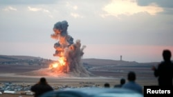 Pamje nga luiftimet në qytetin Kobani në Siri