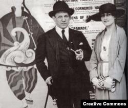 Пабло Пикассо и Ольга Хохлова, 1919