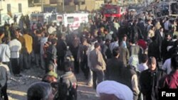 اجتماع مردم پس از بمب گذاری ماه فوریه در زاهدان