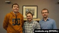Стваральнікі сайту беларускамоўнага бізнэсу Васіль Мелех, Юрась Адамовіч і Павал Колас (зьлева направа)