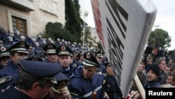 Pamje nga protestat e 21 janarit në Tiranë.