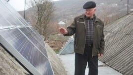 Luca Secrii şi panourile sale electrice, Sănătăuca, Floreşti