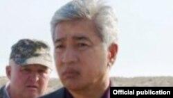 Министр обороны Казахстана Имангали Тасмагамбетов (справа).