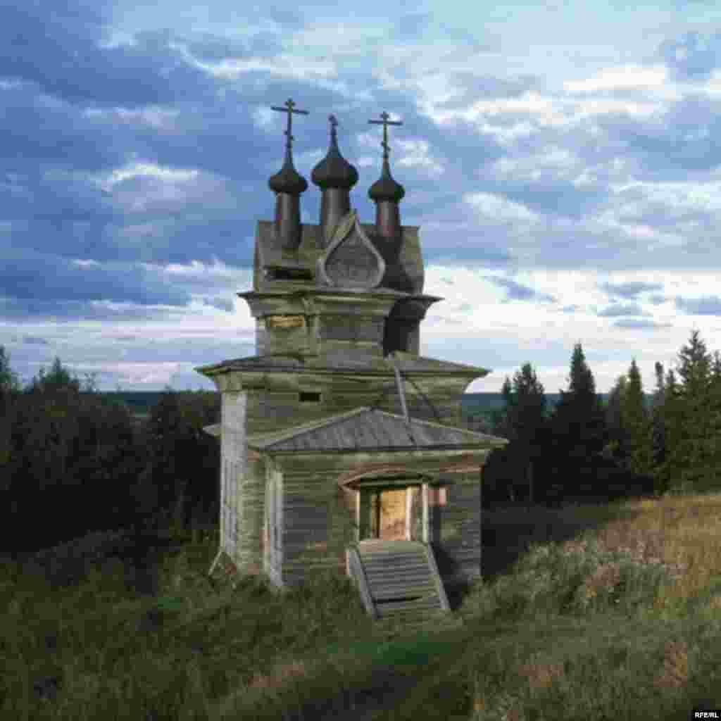 Russia's Vanishing Wooden Churches #16