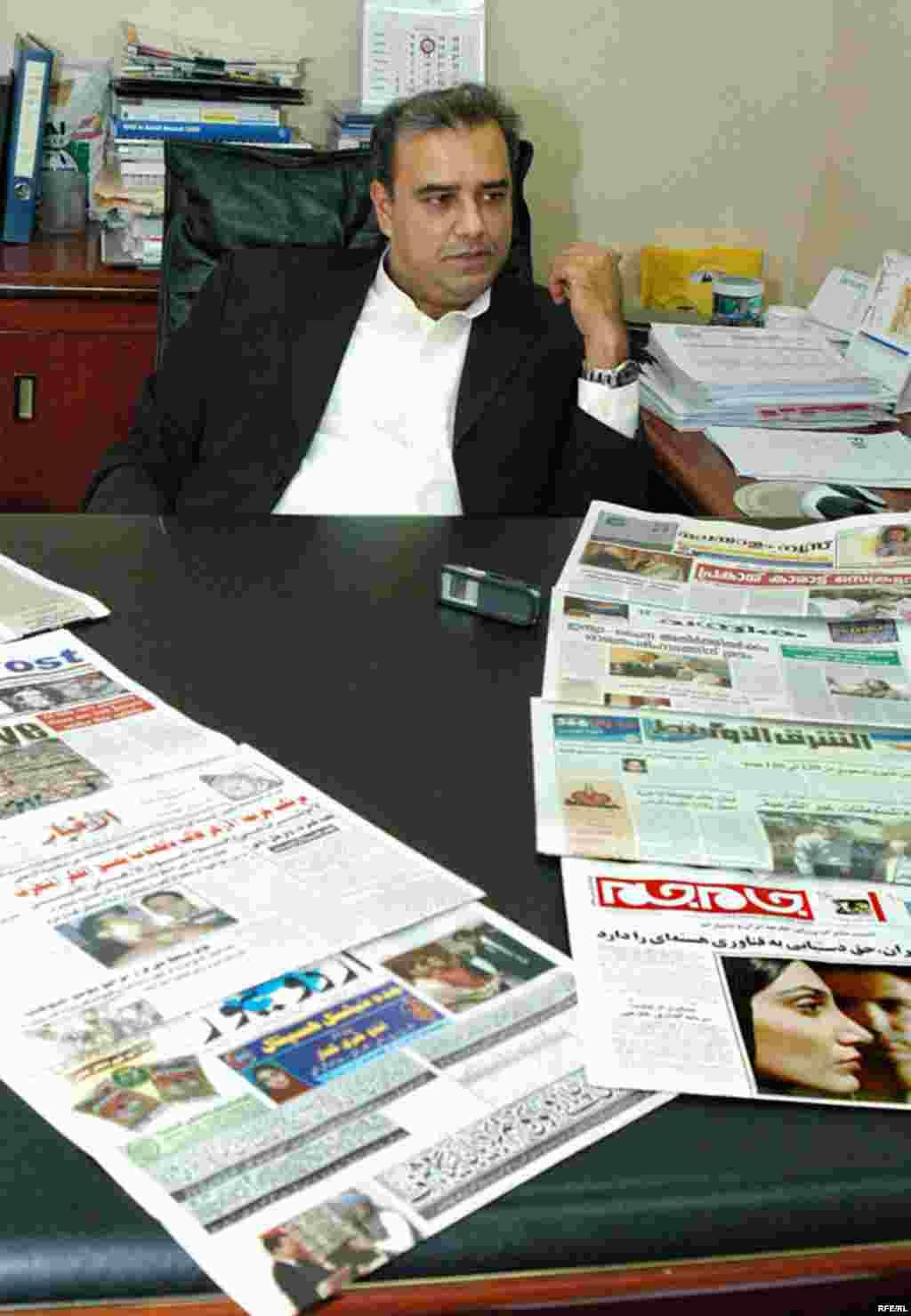 UAE, Gishor Gohil, manager of algharir pulishing, 04/30/2007