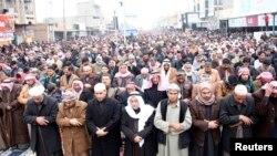 Фаллужадагы сунниттердин намазы. 3-январь, 2014-жыл