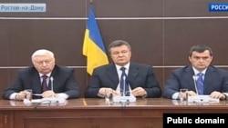 Прес-конференція Віктора Януковича, Віктора Пшонки і Віталія Захарченка в Росії у Ростові-на-Дону, 14 квітня 2014 року. Усі три особи перебувають в розшуку