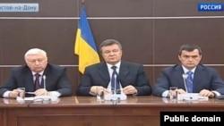 Віктор Янукович, Віктор Пшонка і Олександр Захарченко після втечі з України, квітень 2014 року