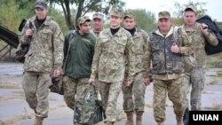 Військовослужбовці шостої хвилі часткової мобілізації повертаються додому із зони зони конфлікту на Донбасі, вересень 2016 року