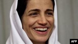 Iranian human rights lawyer Nasrin Sotoudeh in Tehran after being freed following three years in prison, September 18, 2013