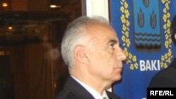 Bakı Şəhər İcra Hakimiyyətinin başçısı Hacıbala Abutalıbov 10 may 2006