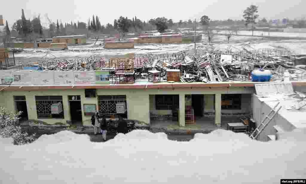 Kandahar, Afghanistan has not seen such heavy snow for 30 years.