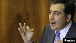 Президент Грузии выступает в парламенте страны. 11 февраля 2011.