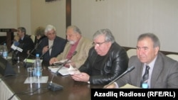 Справа налево: Джамиль Гасанлы, Рамиз Ровшан, Рустам Ибрагимбеков, Рафик Алиев