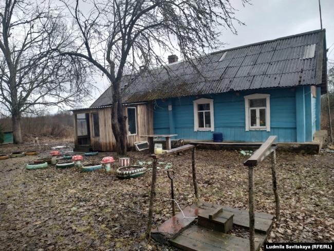 Дом соседей Александра и Натальи
