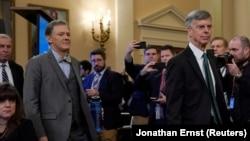 Adjunctul secretarului de stat, George Kent și William Taylor, însărcinat cu afaceri la Kiev în timpul anchetie în vederea suspendării președintelui Donald Trump, Washington, 13 noiembrie 2019
