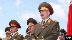 Лукашэнка на парадзе ў Менску, 3.07.2009