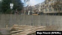 Nelegalna izgradnja simbola podele: Zid u Mitrovici