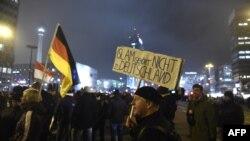 آلمان سال گذشته نیز شاهد ظهور یک گروه ضد اسلامی به نام پگیدا بود که راهپیماییهای گستردهای در نقاط مختلف این کشور انجام داد