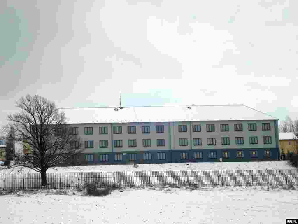 Лагерь для беженцев в деревне Вышни Лхоты с близкого расстояния. - Лагерь для беженцев в деревне Вышни Лхоты с близкого расстояния. 1 февраля 2009 года.