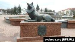 У цэнтры гораду — помнік ваўку з гістарычнага гарадзкога герба