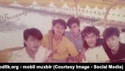 Участники некогда мега-популярной группы «Болалар». На фото: Тахир Садыков второй слева.