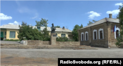 Школа на Луганщині, в якій навчалася Поклонська