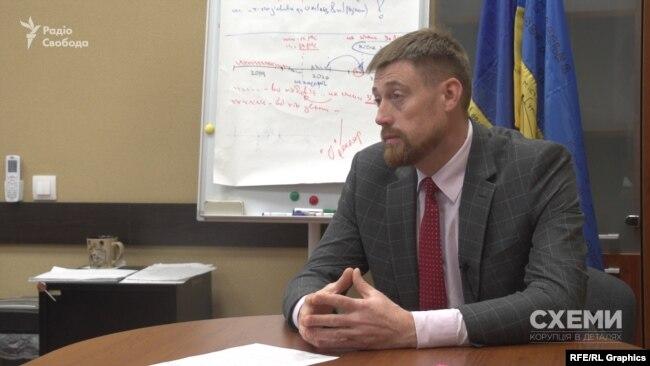 Заступник голови НАЗК Роман Сухоставець каже, що вже спілкувався з керівництвом СБУ щодо декларацій