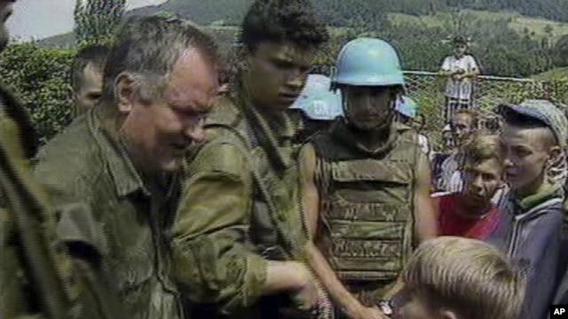 Ratko Mladić u Srebrenici, jul 1995.