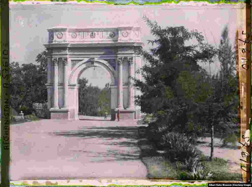 A triumphal arch in the Paghman gardens near Kabul. The arch commemorates the victims of the 1919 war against the British, which is known in Afghanistan as the War of Independence. The top of the structure was blasted off during fighting in the Soviet-Afghan war in the 1980s but has since been restored.