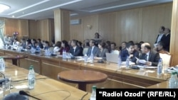 Ҳамоиши бахшида ба Рӯзи байналмилалии озодии баён дар Душанбе. 3 майи соли 2014.