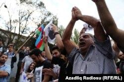 Конституцияға енгізілмек өзгерістерге наразылық шеруіне қатысушылар. Баку, 11 қыркүйек 2016 жыл.