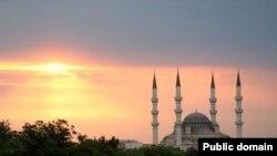 Er-Tugrul Gazi džamija u Ashgabatu