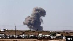 دود ناشی از یک حمله هوایی در شمال سوریه