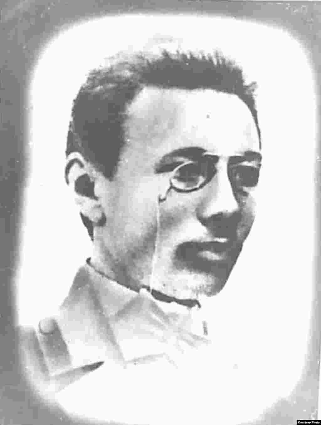 """Жақып Ақбайұлы, заңгер, құқық магистрі, 1903 жылы Санкт-Петербург университетінің заң факультетін үздік бітірген. """"Қазақ"""" газеті авторларының бірі, Алаш қайраткері."""