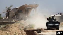 ИМ-мен соғысып жатқан Ирак жасақтары. Байжи, 19 қазан 2015 жыл.