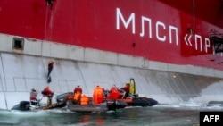 """Акцию Greenpeace российская сторона квалифицировала как """"пиратство"""""""