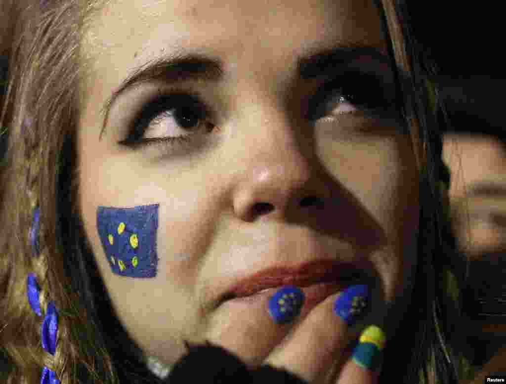 A pro-EU protester at a camp on Kyiv's Independence Square. (Reuters/Vasily Fedosenko)