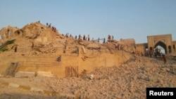 ما تبقى من جامع النبي يونس بعد تدميره في 24 تموز 2014