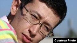 Әлішер Елікбаев, журналист. Жеке альбомынан алынған сурет.