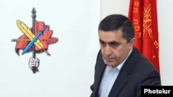 Armenia -- Armen Rustamian, a leader of the Armenian Revolutionary Federation, at a news conference in Yerevan, 8Dec2010.
