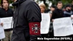 Многие в Грузии не воспринимают Челидзе и его движение всерьез, считая их небольшой группой маргиналов, насмотревшихся видеороликов о нацистах