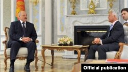 Аляксандар Лукашэнка і Алан Дункан падчас сустрэчы ў Менску. 26 верасьня 2017 году