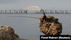 Вид на Керченский мост, архивное фото
