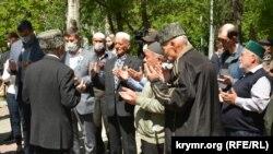 Молебен у памятника жертвам депортации крымскотатарского народа. Севастополь, 18 мая 2020 года