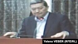 Бывший премьер-министр Серик Ахметов на суде по его делу. Караганда, 25 ноября 2015 года.