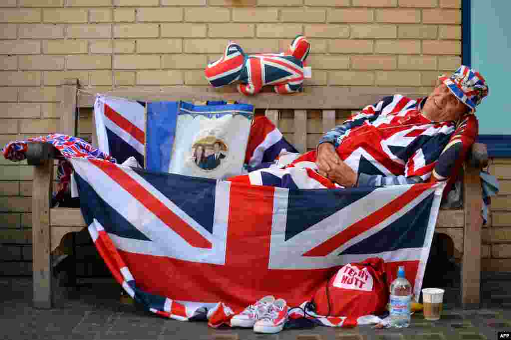 Royal supporter Terry Hutt has been camped out by the hospital for nine days.